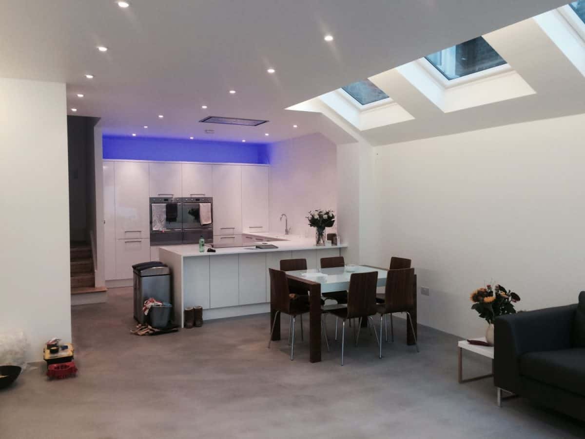 Kitchen and dining area in SW12